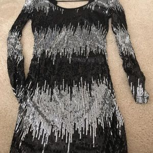 Dresses & Skirts - Silver/Black Sequin Dress